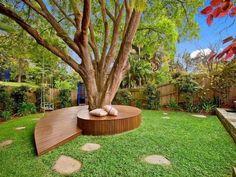Vous avez un grand arbre dans votre jardin? Voici 18 idées géniales pour construire un banc autour pour vous y reposer.  Vous allez adorer !
