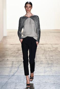 The complete Wes Gordon Spring 2015 Ready-to-Wear fashion show now on Vogue Runway. 2015 Fashion Trends, Fashion Week 2015, 2015 Trends, Ss15 Fashion, Fashion Weeks, Grey Fashion, Live Fashion, Fashion Show, Fashion Design
