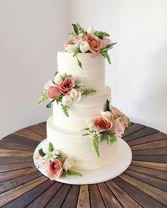 WEBSTA   ivyandstonecakedesign   These fresh flowers from Sunday s wedding  cake Buttercream rustic naked wedding cake fresh flowers ombre pink  . Fresh Flower Wedding Cakes. Home Design Ideas