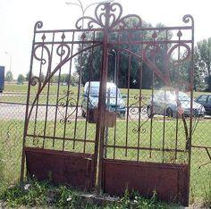 Cancello a due ante in ferro battuto,periodo Liberty