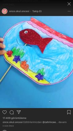 POISSON Paper plate jellyfish craft for kids Summer Crafts For Kids, Paper Crafts For Kids, Diy For Kids, Sea Crafts, Fish Crafts, Toddler Activities, Preschool Activities, Toddler Crafts, Preschool Crafts
