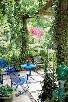 The Ultimate Entertaining Garden: Blue Outdoor Dining Table