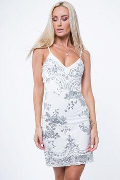 f89f889d0f Suknie wieczorowe 2019. Eleganckie sukienki na wesele i balowe