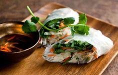Vegetarian Spring Rolls With Shredded Kohlrabi. Kohlrabi makes excellent spring roll filling. Vegetarian Spring Rolls, Veggie Spring Rolls, Fresh Spring Rolls, Summer Rolls, Fresh Rolls, Vegetable Recipes, Vegetarian Recipes, Healthy Recipes, Healthy Eats