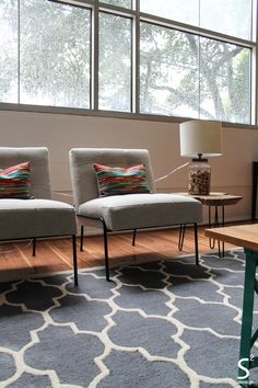 Houston Heights Midcentury Modern Living Room Blue Rug Accents White Organic Bedding Chevron Curtains S Squared Design S2d Interiordes