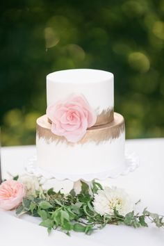 Large Pink Flower with Gold Accent Little Cake
