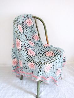 VINTAGE Hand Crocheted Baby Blanket ! Its to die for!