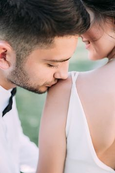 I'd like to find a loyal and honest sugar baby to accompany with me, you can check my bio Wedding Kiss, The Wedding Date, Dream Wedding, Wedding Ceremony, Wedding Bride, Diy Wedding, Wedding Cake, Sugar Baby, Budget Wedding