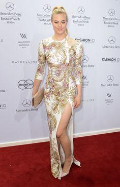 Pin for Later: Die Stars machen Berlin zum Mode-Mekka bei der Fashion Week Larissa Marolt bei der Schau von Guido Maria Kretschmer