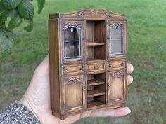 UM ZU BESTELLEN... Puppe Haus Handwerker Miniaturen Vintage Stil Vitrine.