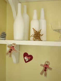 Christmas Garland: felt hearts and cardboard gingermen