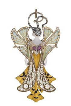 Art Nouveau Butterfly - Pendant by House Vever (Paul and Henry) 1900 - The original copy of this pendant was part of the presentation of the Vever house at the Universal Paris in 1900 where the company won a major award for its jewelery exhibition - gold, enamel, diamonds old brilliant cut, rubies, agates - H. 12 cm - W. 6.5 cm
