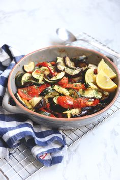 Greek Recipes, Veggie Recipes, Lunch Recipes, Dinner Recipes, Healthy Recipes, Greek Orzo Salad, Briam, Honey Garlic Chicken, Food To Make