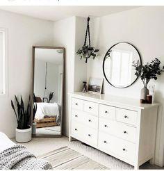 Latest modern minimalist bedroom interior for 2019 Simple Bedroom Decor, Cute Room Decor, Room Ideas Bedroom, Home Decor Bedroom, Simple Bedrooms, Bed Room, Bedroom Inspo, Bedroom Designs, Masculine Bedrooms