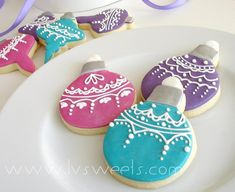 Lace Ornament cookies by L sweets, via Flickr