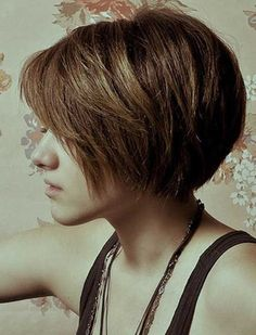 15 Hottest Bob Haircuts - 2014 Short Hair for Women and Girls - PoPular Haircuts Short Bob Thick Hair, Girl Short Hair, Short Hair Cuts, Short Hair Styles, Short Bobs, Short Shag, Short Textured Bob, Very Short Bob, Long Pixie