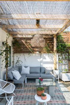 - Rustic Pergola Ideas DIY - Pergola Patio I ., - Ideas rústicas de la pérgola DIY - Pergola Patio I . # diy There's little time such as the prevailing to generate the most our own backyard space. Diy Pergola, Deck With Pergola, Modern Pergola, Covered Pergola, Outdoor Pergola, Small Pergola, Metal Pergola, Pergola Lighting, Gazebo