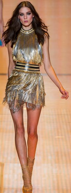 Versace, Fashion Week spring-summer New York. Beauty And Fashion, Look Fashion, Passion For Fashion, High Fashion, Fashion Show, Fashion Design, Fashion Models, Style Haute Couture, Dior Couture