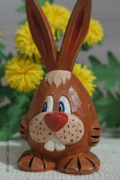 Carved Eggs, Hand Carved, Dremel Carving, Wooden Figurines, Toilet Paper Roll Crafts, Wood Carving Patterns, Wooden Animals, Acrylic Colors, Easter Bunny