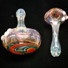 Headed West's Pipe of the Day!  #glasspipes #glasspipe #colorchanging #colorchangeglass #fumed #silverfume #goldfume #glasscollection #glasscollector #glassshop #americanmade #handblownglass #thickpipe #glassporn #glassofinstagram #blazeit #handblownglass #theheadedwest #headshop #smokeshop #pipeoftheday