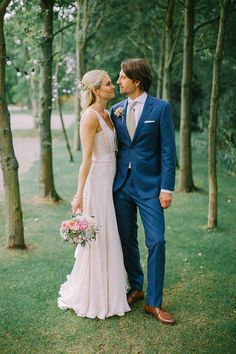 A Blush Pink Wedding Dress And Summer Barn Celebration for an Online Dating Love Story