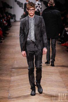 Viktor  Rolf - Menswear - Fall-winter 2013-2014 - http://www.flip-zone.net/fashion/menswear/viktor-rolf