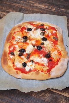 Rien de meilleur qu'une pizza maison, et contrairement à ce que l'on pense c'est très simple à faire et la pate est tellement meilleur que celle des industriel. Pour avoir une belle pate gonflée et colorée il y a juste un petit coup de main qui consiste à la déposer sur une plaque déjà chaudeContinue Reading