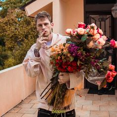 2.8m Followers, 344 Following, 4,836 Posts - See Instagram photos and videos from young gunner (@machinegunkelly)