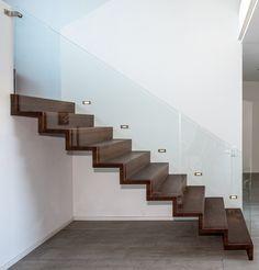 Faltwerkstiege #faltwerk #stiege #treppe #glas #holz #innendesign #interior Stairs, Home Decor, Stairways, Corning Glass, Timber Wood, Homes, Stairway, Decoration Home, Room Decor
