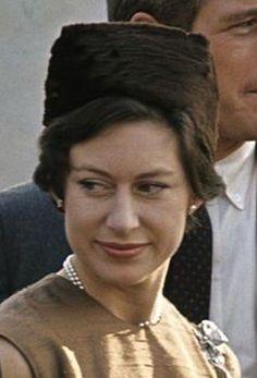 Margaret Rose, Royal Blood, House Of Windsor, British Monarchy, Royal House, Got The Look, Turbans, Queen Elizabeth Ii, Fascinators