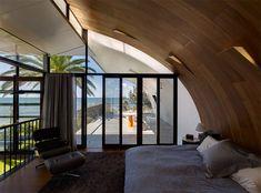 idyllic residences in great australian landscapes by peter stutchbury Peter Stutchbury, Interior Architecture, Interior Design, Indoor, House Design, Building, Modern, Furniture, Beach Houses