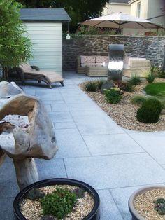 Granite paving slabs 900 x 600 featured in garden Painted Cement Patio, Diy Concrete Patio, Gravel Patio, Diy Patio, Patio Stone, Granite Paving, Paving Slabs, Gray Granite, Small Patio Design