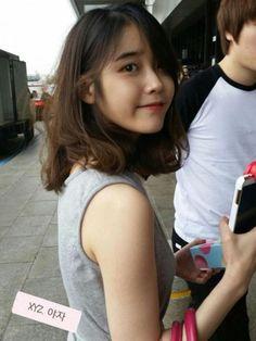 IU -- shoulder length hairstyle