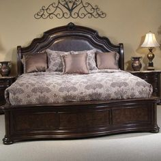 Beautiful King Size Bed Frame using Brown Leather Headboard and Classy Pattern Bedding also Wooden Bedside Table plus Brown Granite Top and Antique Table Lamp and Cream Wall Paint Color and Grey Carpet Flooring Bedroom Furniture Sets, Bed Furniture, Bedroom Sets, Home Decor Bedroom, Furniture Design, Muebles Shabby Chic, Wood Bed Design, Leather Headboard, Bedrooms