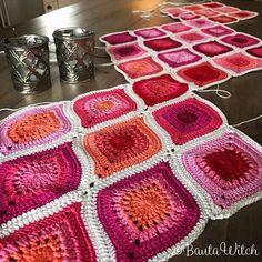 ♥ Creativity is intelligence having fun! Crochet Squares, Crochet Granny, Crochet Motif, Crochet Yarn, Crochet Flowers, Crochet Stitches, Free Crochet, Crochet Patterns, Crochet Girls