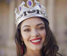View Miss World South Africa Demi-Leigh Nel-Peters robbed in London Pics on ETimes Photogallery Demi Leigh Nel Peters, Miss Pageant, Miss World, Beauty Photos, Beauty Pageant, Beauty Queens, South Africa, Royalty, Dress Shoes