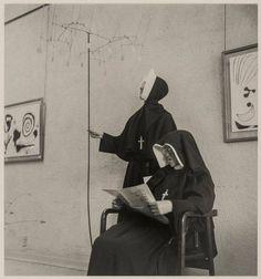 Imogen Cunningham - 'Nuns at a Calder Show', 1953