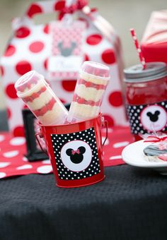Push up pops at a Minnie Mouse Party #Minniemouse #party
