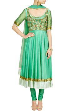 Tisha Saksena 30,000 This is IDEAL for a Sangeet