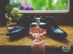 Rustic country wedding with hellebore in a bird house, flower for groom, wedding tie and shoes with perfume #5