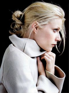 Gwyneth Paltrow is one of my favorites! Love this picture. I kind of want to recreate it!
