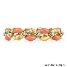 Van cleef arpels jewellery - buy and sell pre-owned, unworn, second-hand or used Van cleef arpels jewellery online Van Cleef And Arpels Jewelry, Van Cleef Arpels, Women's Earrings, Silver Earrings, Used Vans, Coral Jewelry, Boho Necklace, Sterling Silver Rings, Vintage Jewelry