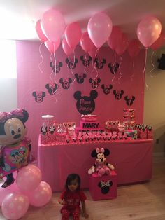 Minnie Mouse Birthday Outfit, Mickey Mouse Clubhouse Birthday Party, Mickey Birthday, Minnie Mouse Party Decorations, Kids Party Decorations, Party Ideas, First Birthday Party Decorations, Birthday Parties, Winter Onederland Party Girl 1st Birthdays