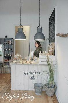 Favorite Café in Hamburg Eppendorf: The Eppenlove! Cafe Interior Design, Cafe Design, Store Design, Interior Modern, Design Design, Cafe Shop, Cafe Bar, Restaurant Design, Deco Cafe