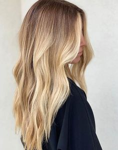 10 Biggest Spring/Summer 2020 Hair Color Trends You'll See Everywhere Hair Color Shades, Hair Color And Cut, Haircut And Color, Cool Hair Color, Brown Hair Colors, Blonde Ombre Hair, Blonde Hair Looks, Brown Hair Balayage, Blonde Highlights