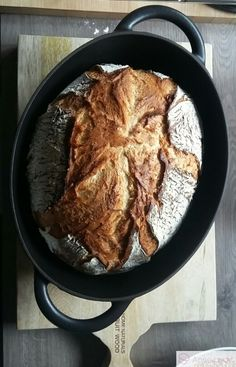 Topfbrot - Annebackt - posted by www. Easy Baking Recipes, Bread Recipes, Healthy Snacks, Healthy Recipes, Food Photography Styling, Bread Rolls, Pampered Chef, Pumpkin Recipes, Bread Baking