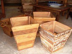 Cachepôs em madeira demolição. Consulte-os sobre tamanhos e formatos. R$65,00