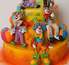 Cake with clowns Pretty Cakes, Beautiful Cakes, Amazing Cakes, Unique Cakes, Creative Cakes, Clown Cake, Dad Cake, Cake Boss, Circus Cakes