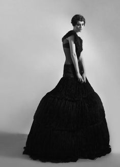 Sculptural Fashion - black leather dress with dramatic silhouette // Rachel Freire