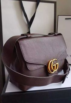 The Gucci GG Marmont Leather Shoulder Bag is an unstructured masterpiece with very much characters, giving you alternative fashion perspective than usual. Check it at http://www.luxtime.su/gucci-gg-marmont-leather-shoulder-bag-gu401173-brown